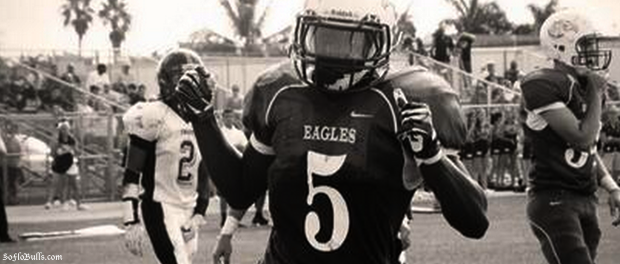 RB Trevon Sands (Southwest Miami Senior) B&W | SoFloBulls.com