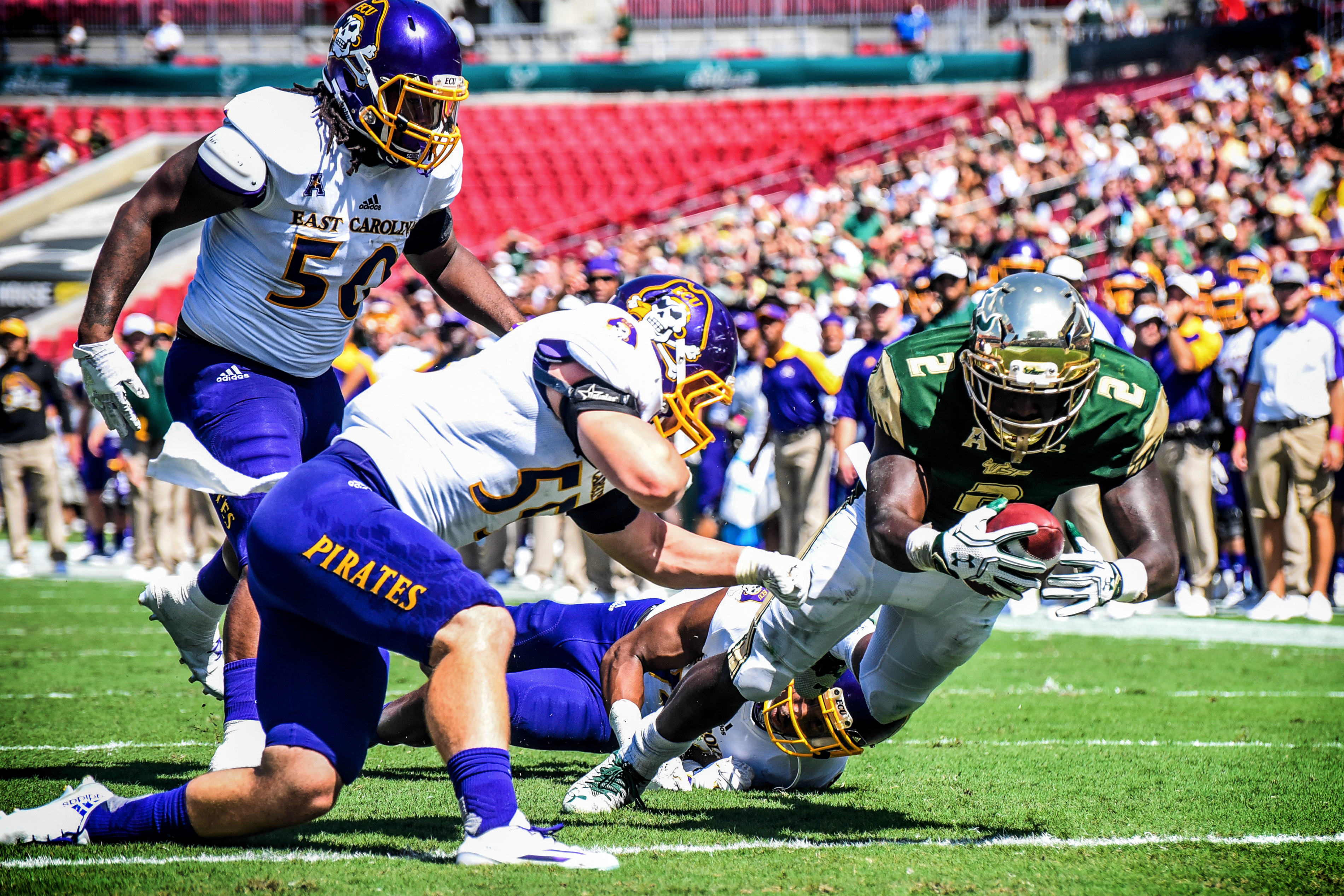 USF vs. UConn 2016: Scouting the Huskies' Playmakers on Offense by Matt Staton AI | Photo by Dennis Akers | SoFloBulls.com (3801x2534)